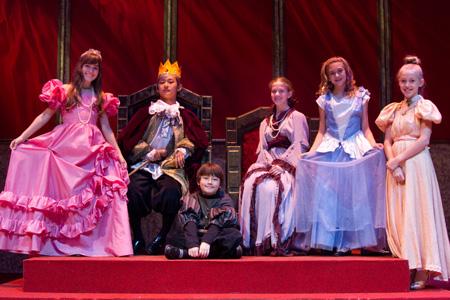 Royal Lfamily m