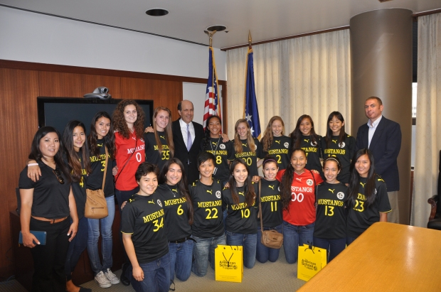 On June 6, the team met with US Ambassador to Japan John Roos, who congratulated them on their win