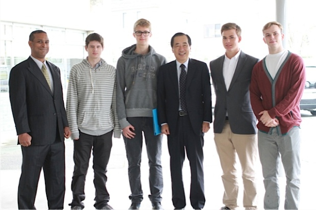 Former Prime Minister Kan with Bapi Ghosh and Japan Studies students