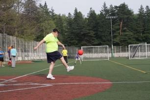 150417_ES-kickball_0187