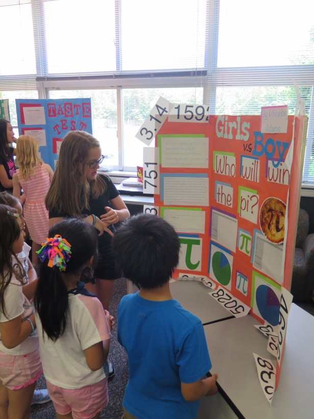 051415_FifthG-ScienceFair_06